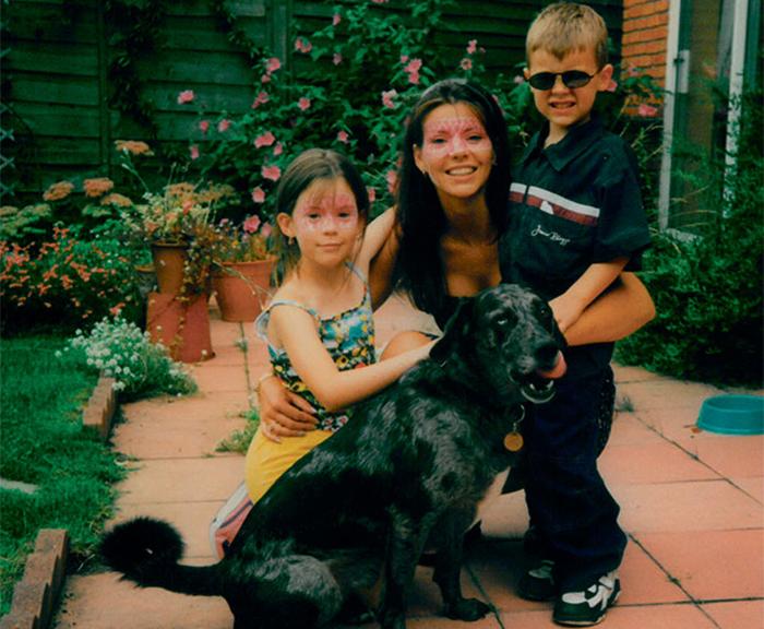 Гарри Стайлс с мамой и сестрой