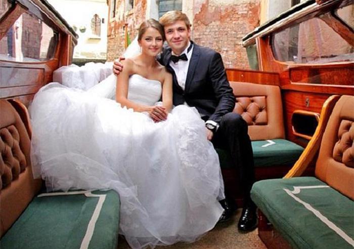 тимофей каратаев и анна михайловская свадьба