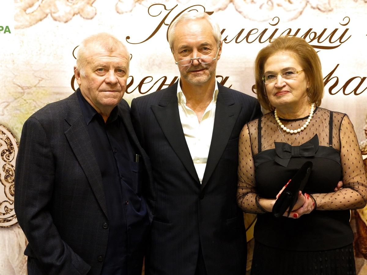 герасимов евгений с родителями