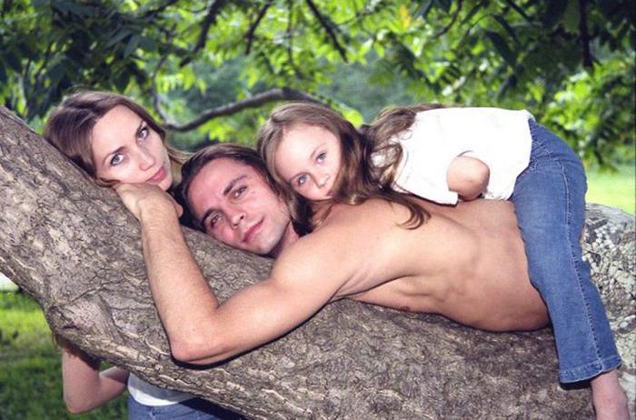дмитрий бозин с женой и дочкой