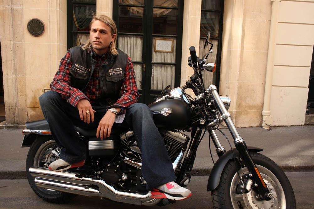 ханнэм чарли с мотоциклом