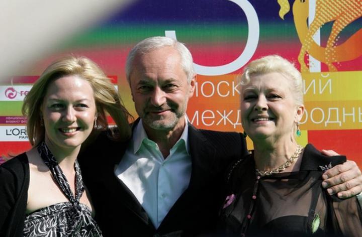 Евгений Герасимов с женой и дочерью