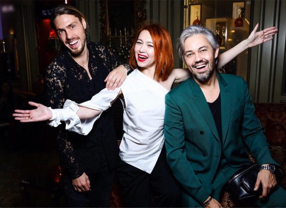 Александр Рогов с друзьями