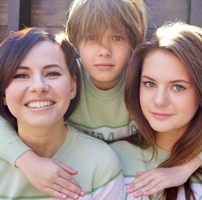 оксана лаврентьева с детьми