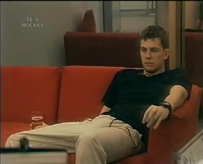 Александр Колтовой за стеклом
