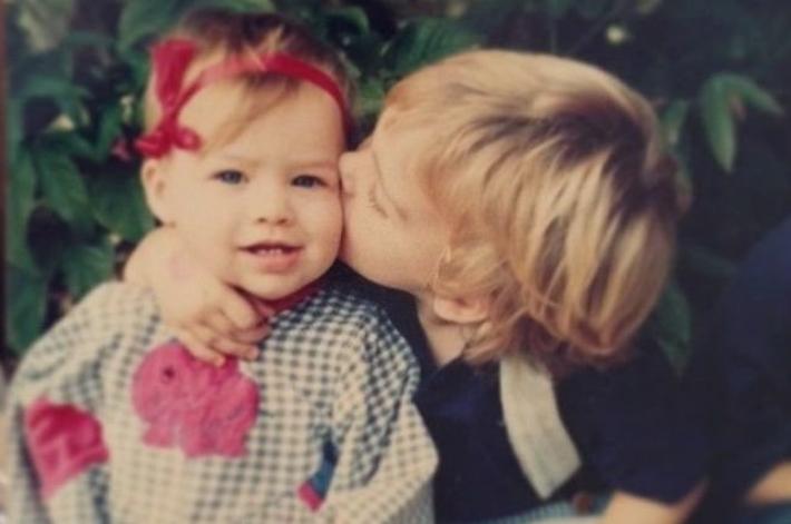 Марго Робби в детстве с братом
