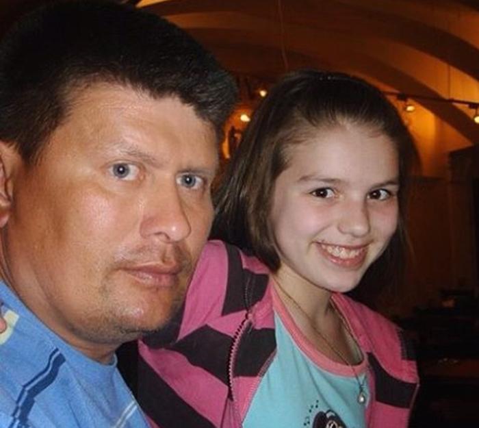 Люся Чеботина в детстве с папой