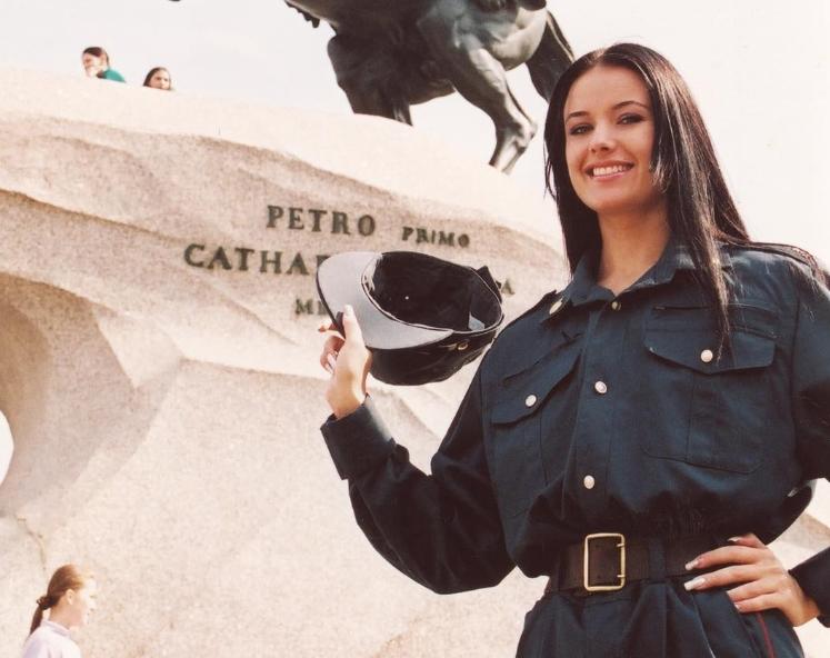 Оксана Федорова в школе милиции
