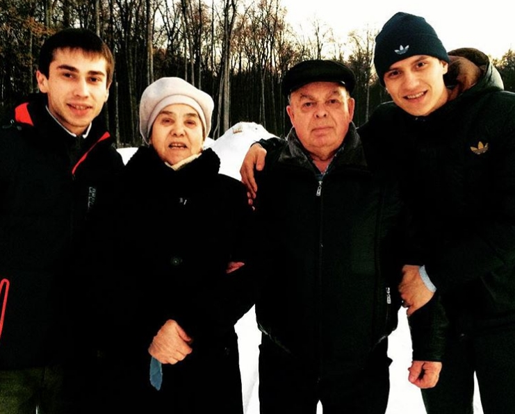 Тимур Гатиятуллин с семьей