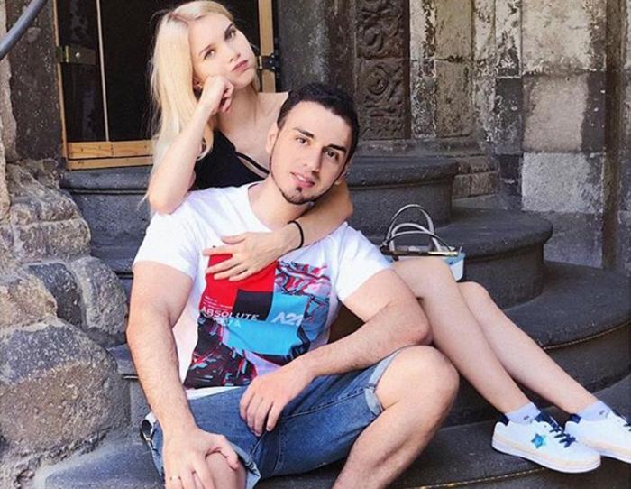 Лисса АВЕМИ с мужем