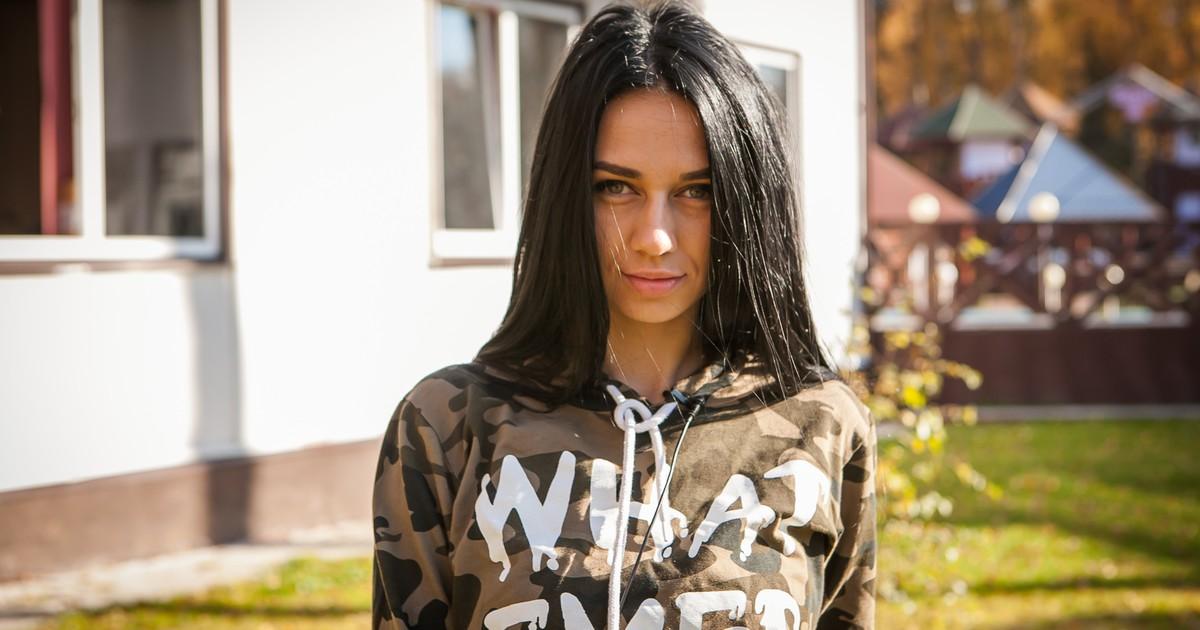 Юлия Романова на шоу дом 2