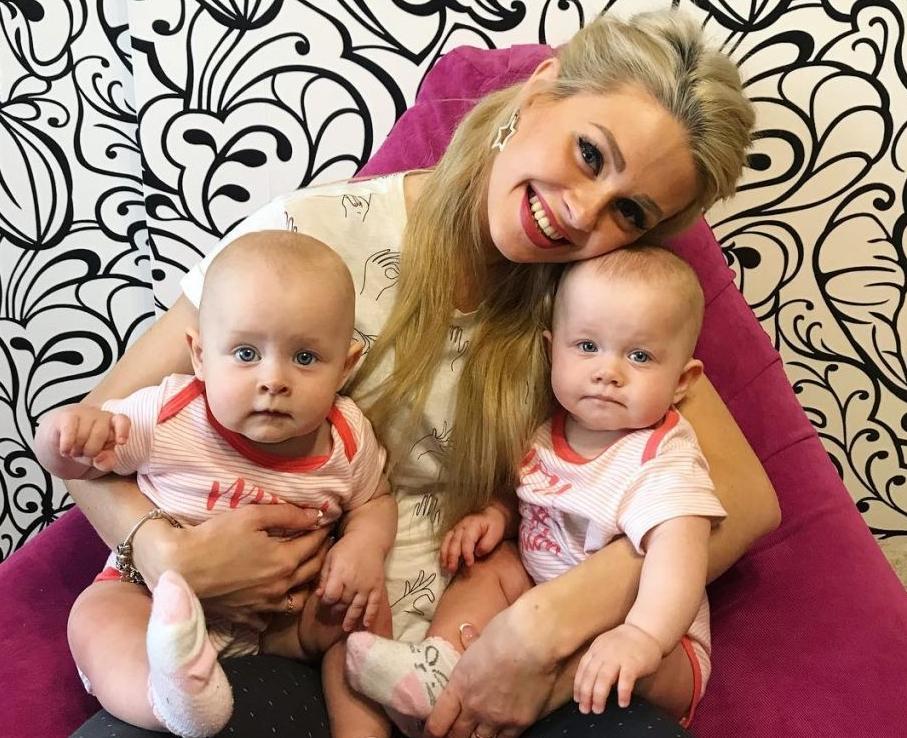 Елена Сажина с детьми