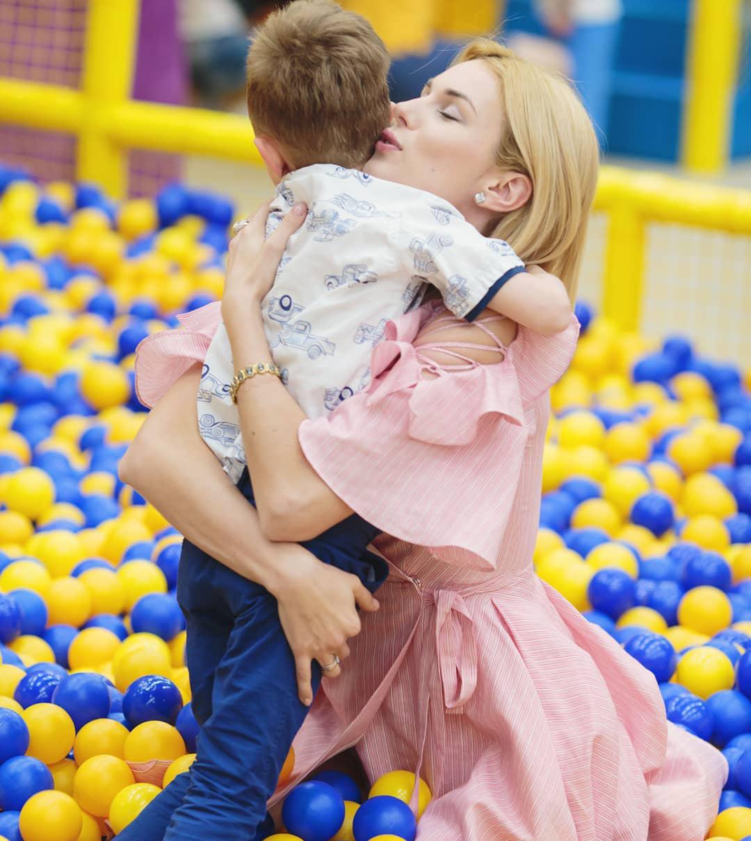 Алина Засобина с сыном
