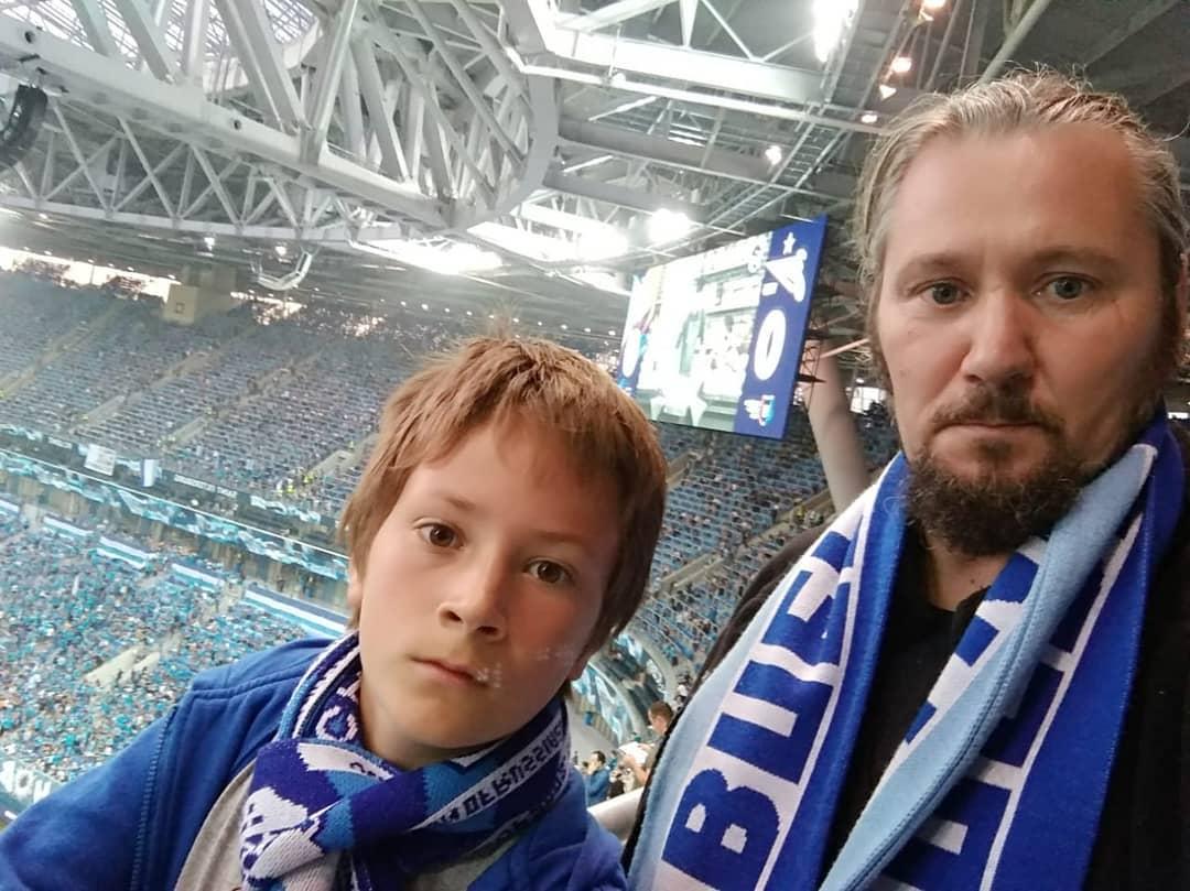 Максим сырников с сыном