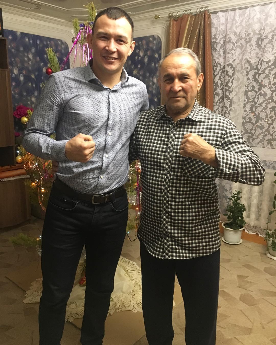 Дамир Исмагулов с отцом