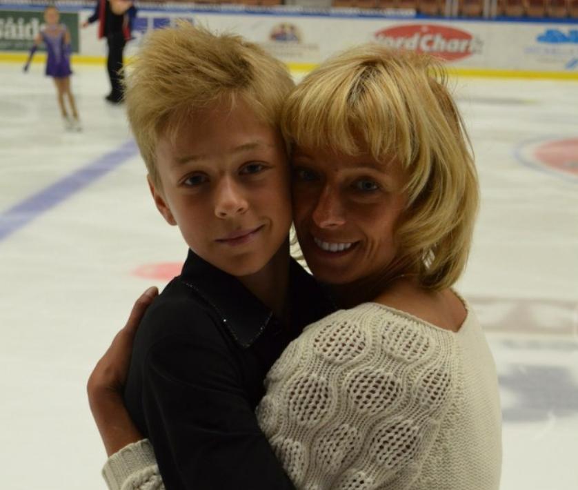 Глеб Смолкин с мамой