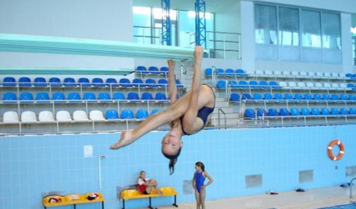 Ирина Титова на соревнованиях по прыжкам в воду