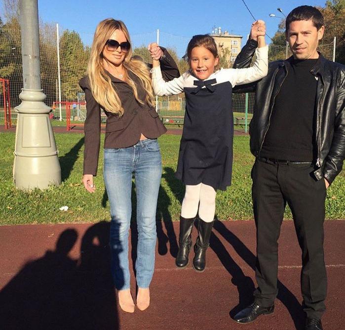 полина борисова с родителями
