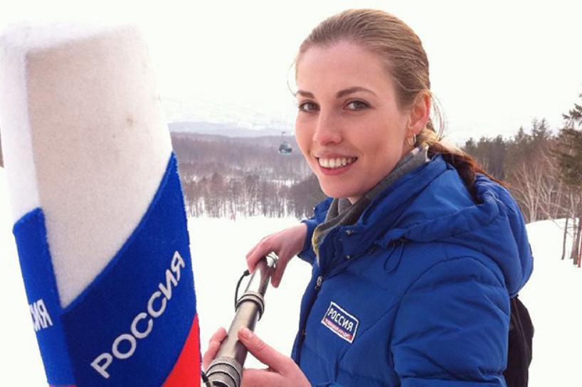 Ольга Скабеева берет интервью