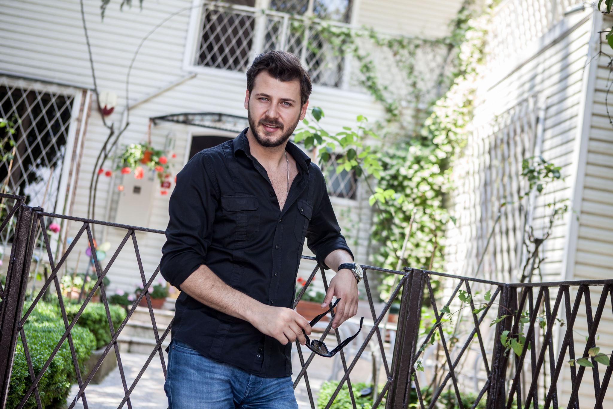 актер Умит Кантарджилар