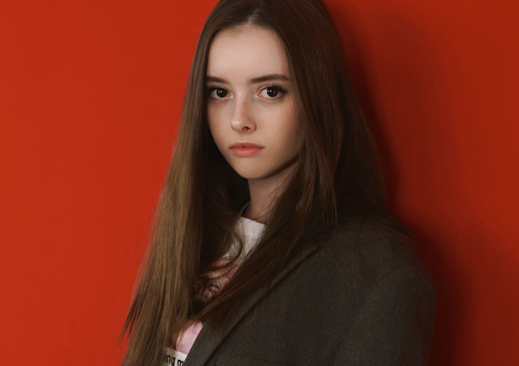 блогерша полина велл