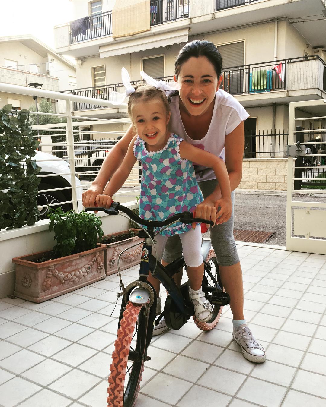 Любовь Тихомирова с дочкой