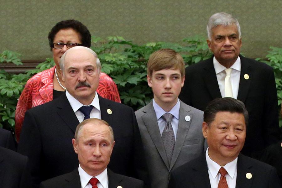 николай лукашенко с мировыми лидерами