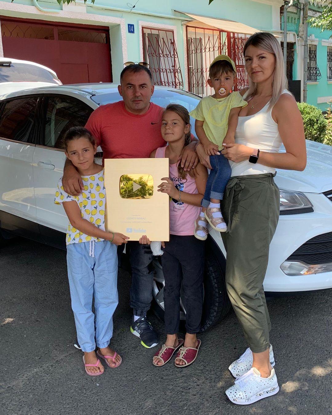 Георгий Кавказ с женой и детьми