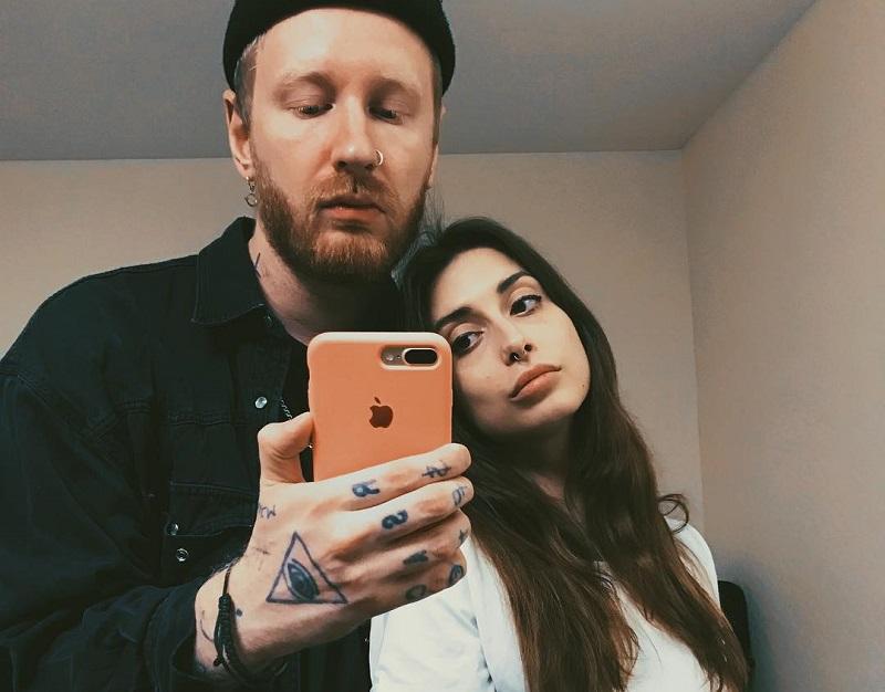 Феликс Бондарев со своей девушкой Лерой