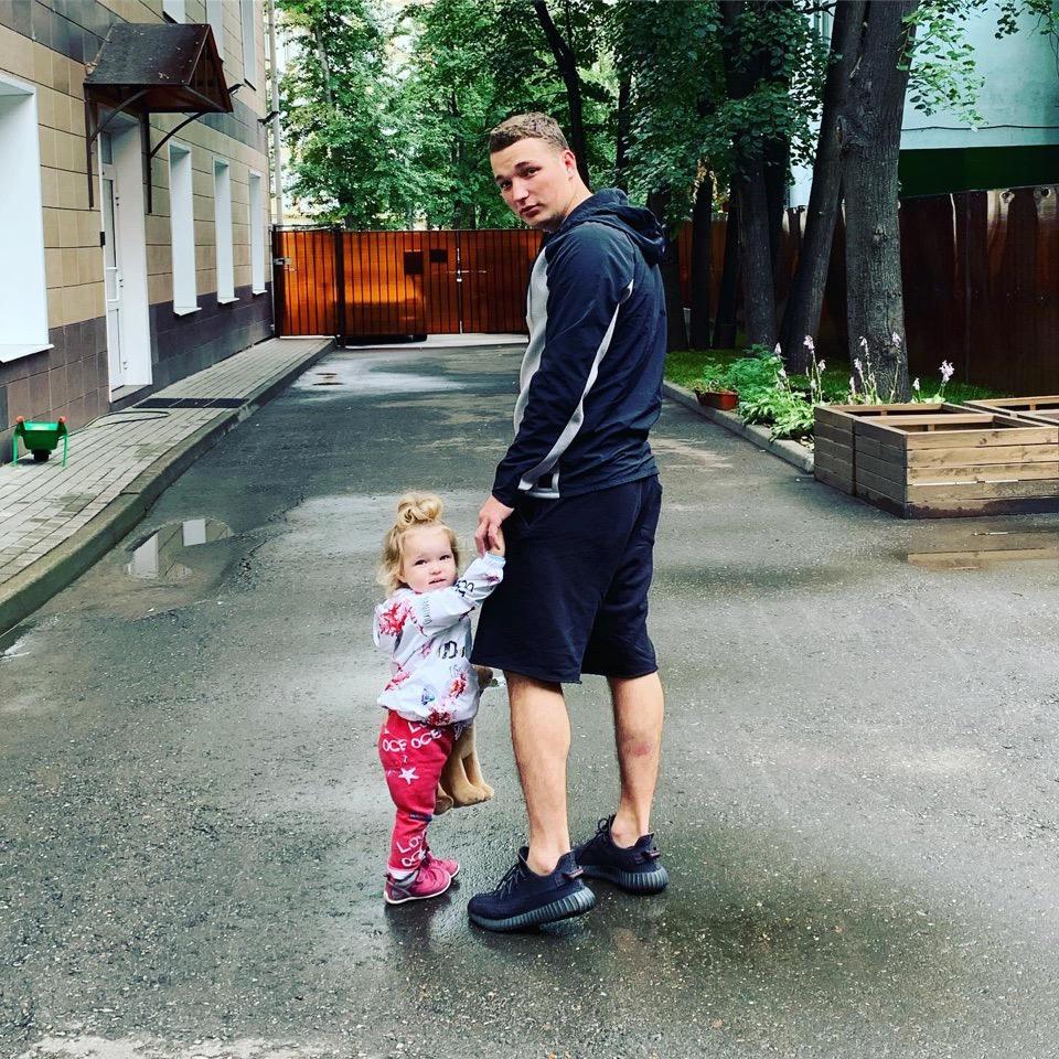 Эдвард Бил с дочкой
