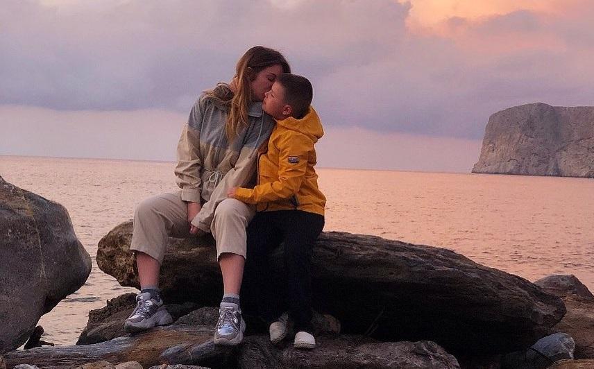 Олеся Медведева отдыхает с сыном