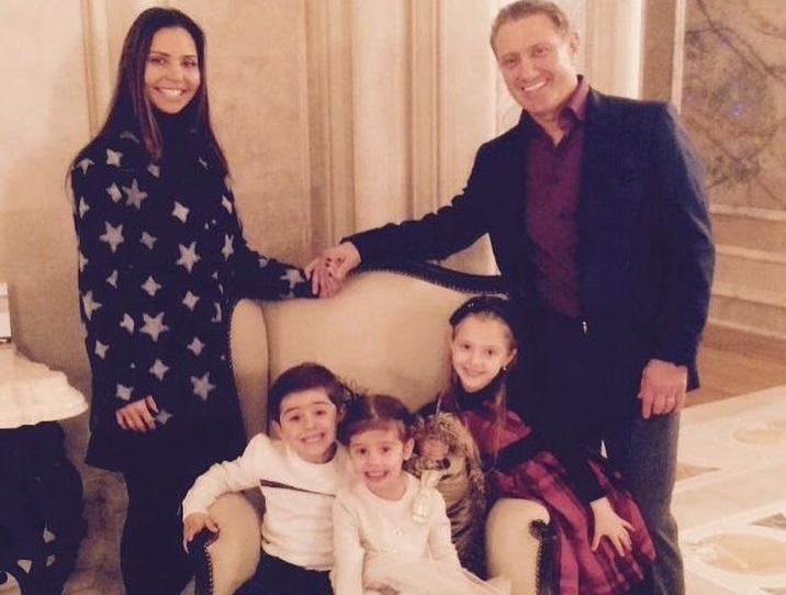 Семья Ротенбергов (Карина, Борис, дети София и Денис, Леона)