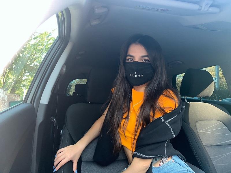 Tenderlybae в машине