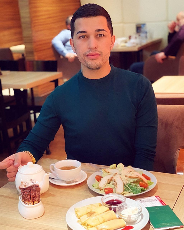личная жизнь Акобира Ашуркуловича