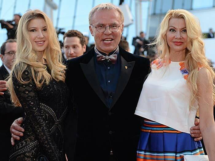 Лада Фетисова с мужем и дочкой